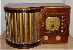 Apparecchio radio stile Art deco