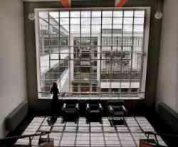 Scuola del Bauhaus - di Walter Gropius.
