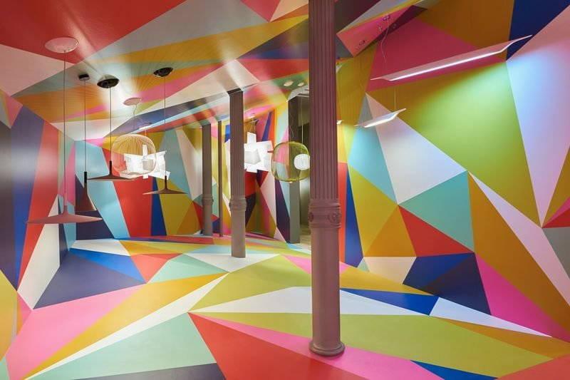 installazione artistica di ferruccio laviani geometric art