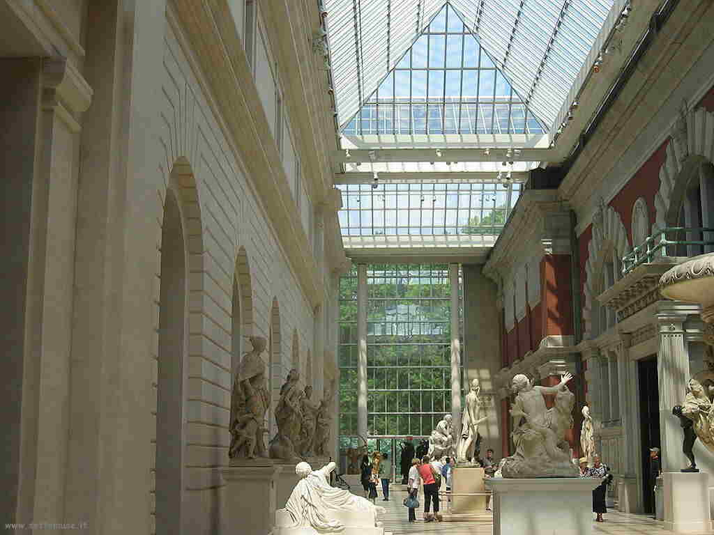 Metropolitan Museum Statue