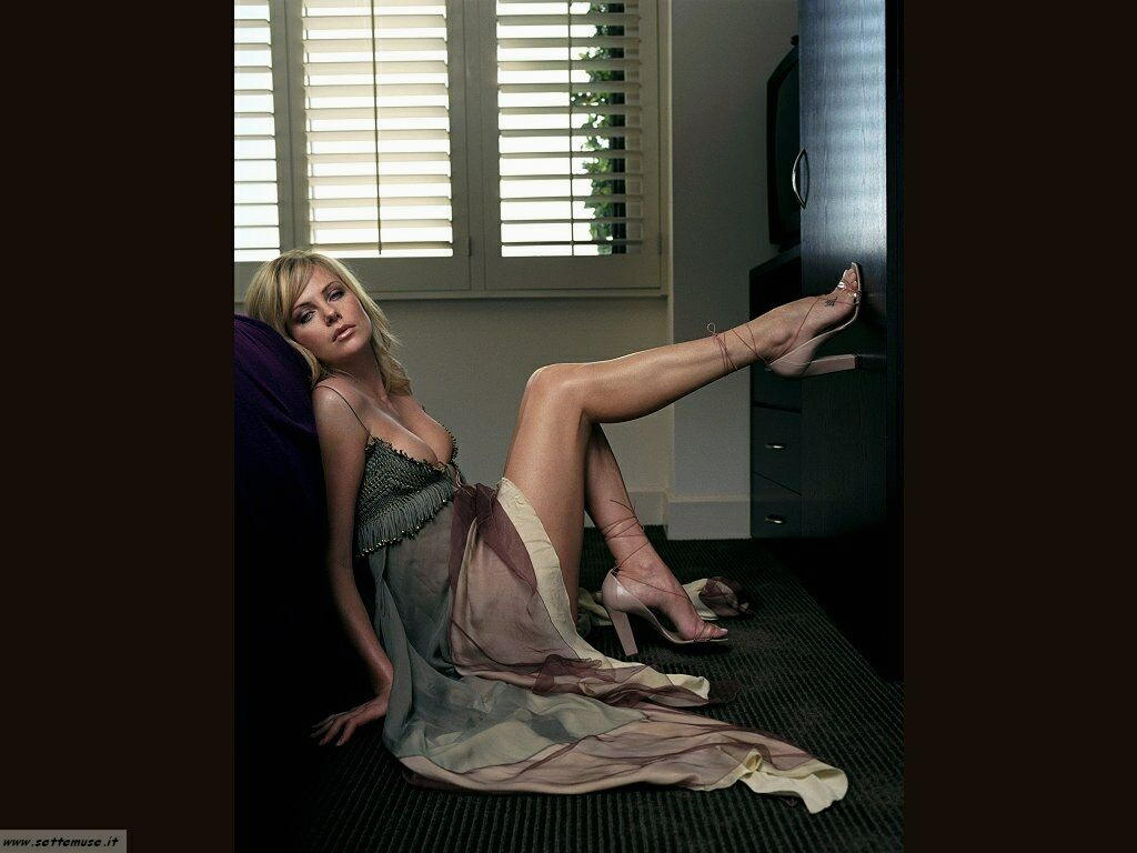 charlize theron 002