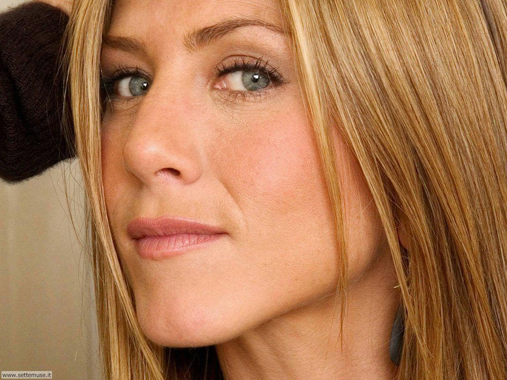 jennifer aniston 007