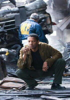 Denzel Washington in Déjà vu - Corsa contro il tempo