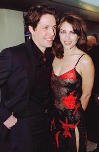 Hugh Grant e Elisabeth Hurley