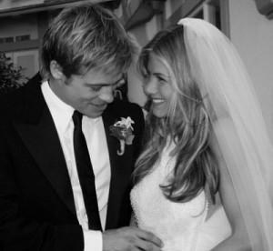 Jennifer Aniston e Brad Pitt nel giorno delle nozze