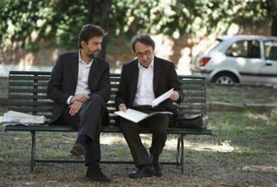 Silvio Orlando e Nanni Moretti nel film Caos calmo
