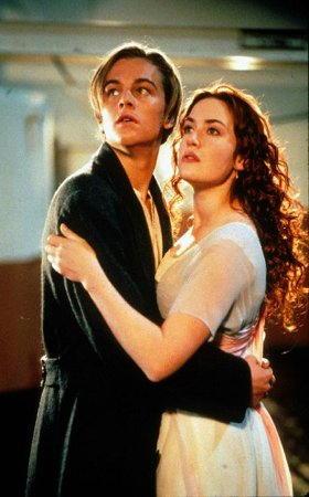 Leonardo DiCaprio e Kate Winslet nel film Titanic