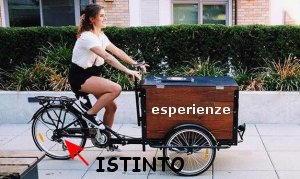 guidare il triciclo felici