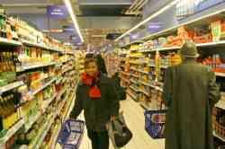 Società basata su clienti da supermercato e sullo shopping come passatempo