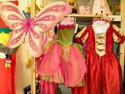 Costumi di carnevale in vetrina