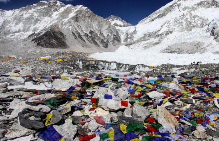 montagne di rifiuti...persino sull'Everest!