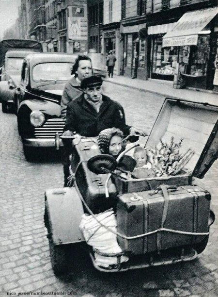 vacanza per quattro piu valige