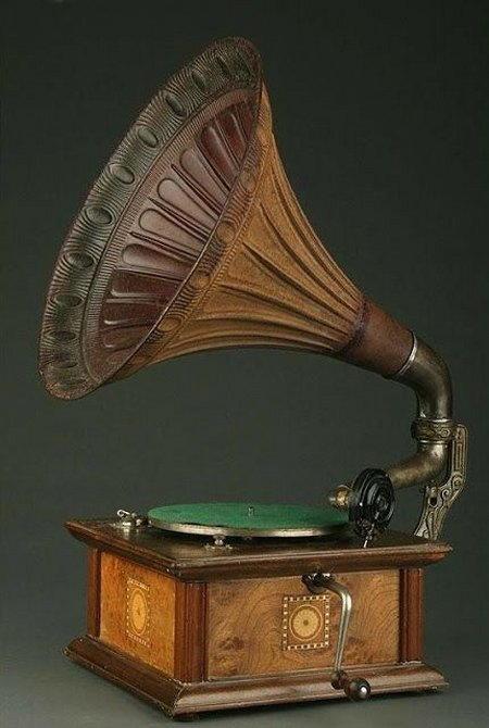 grammofono a manovella ecologico