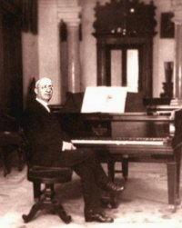 Francesco Cilea al piano