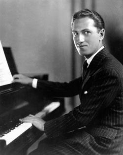 George Gershwin al piano