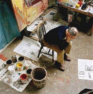 Frank Auerbach nel suo studio