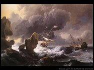 Navi in difficoltà sulla costa rocciosa
