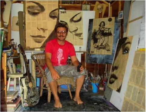 Jover Loui foto dell artista nel suo studio