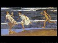Correndo lungo la spiaggia