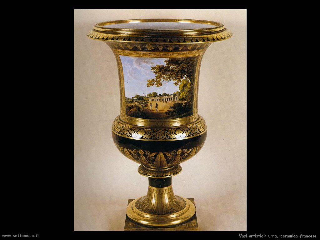 Urna in ceramica francese