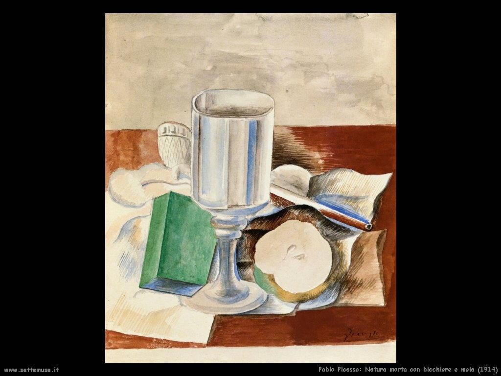 1914 natura morta con bicchiere e mela