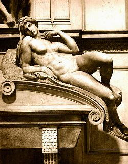 Statua di Michelangelo Buonarroti