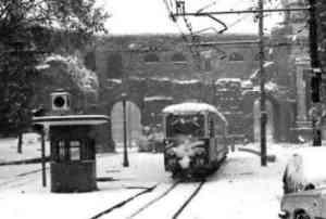Attilio Bertolucci - Paese d'inverno