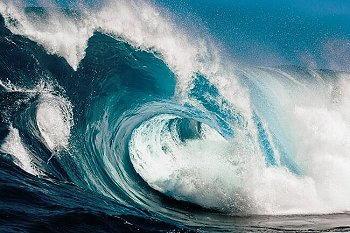 onda del mare frastagliata