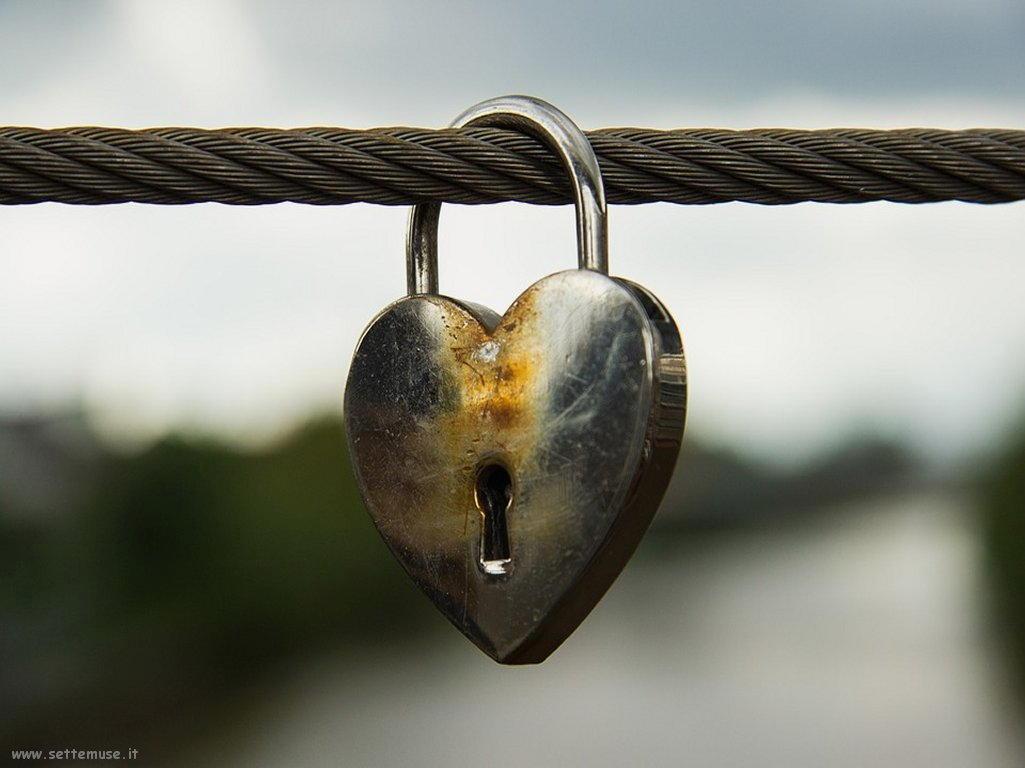 foto amore e innamorati per sfondi 045.jpg statue innamorati