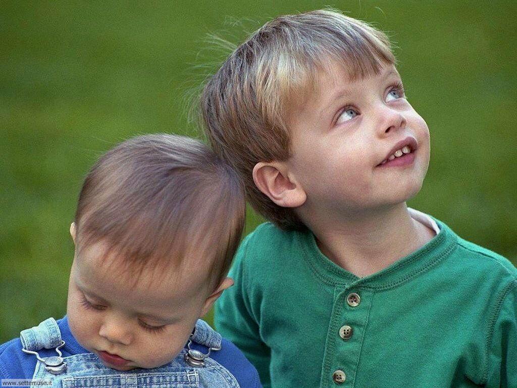 foto bambini e neonati per sfondi 021.jpg fratello e sorellina