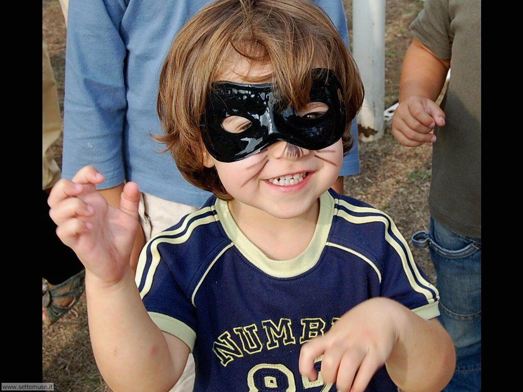 foto bambini e neonati per sfondi 061.jpg ragazzino mascherato