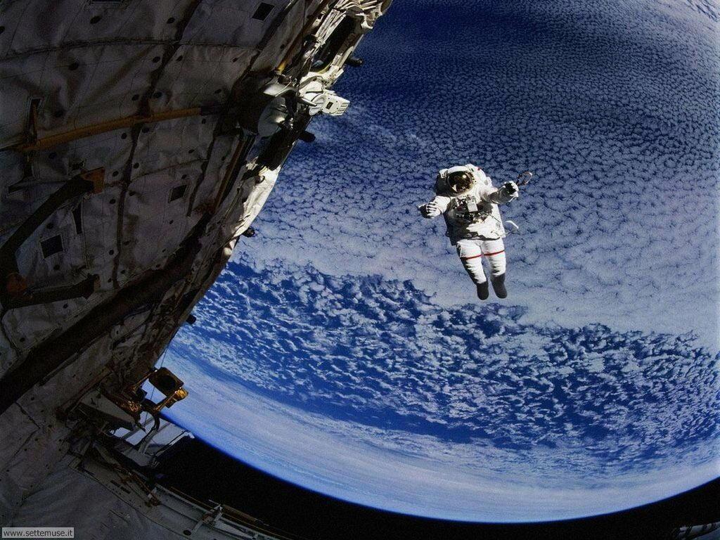 mezzi_trasporto/astronautica/astronautica_008.jpg cosmonauti nello spazio