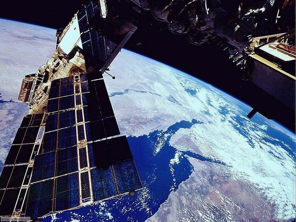 Foto astronautica satelliti per sfondi for Sfondi spaziali