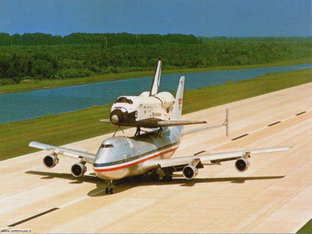 mezzi_trasporto/astronautica/astronautica_037.jpg decollo shuttle