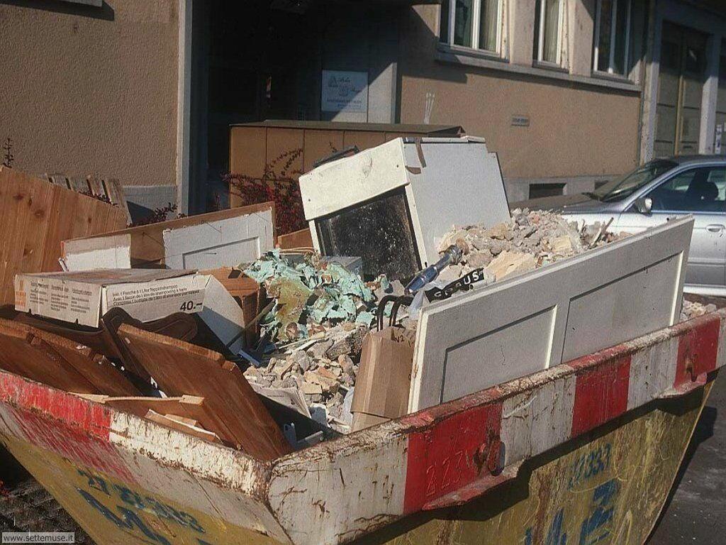 Sfondi desktop di rottami, trash, discariche 008