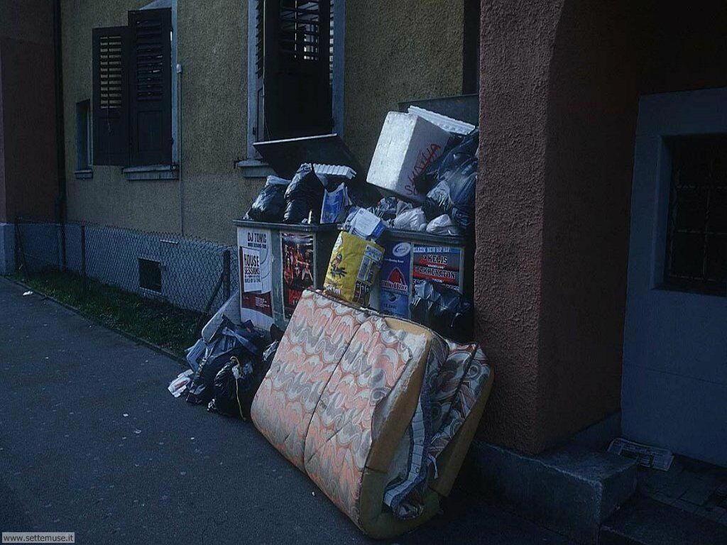 Sfondi desktop di rottami, trash, discariche 009