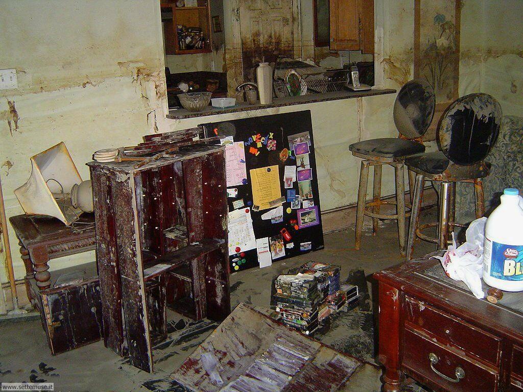 Sfondi desktop di rottami, trash, discariche 039