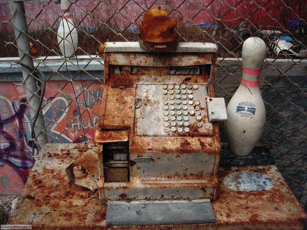 Sfondi desktop di rottami, trash, discariche 063