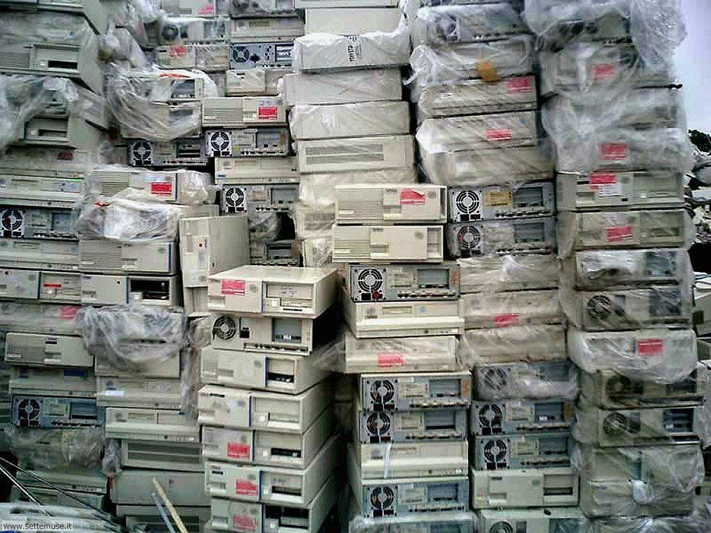 Sfondi desktop di rottami, trash, discariche 090