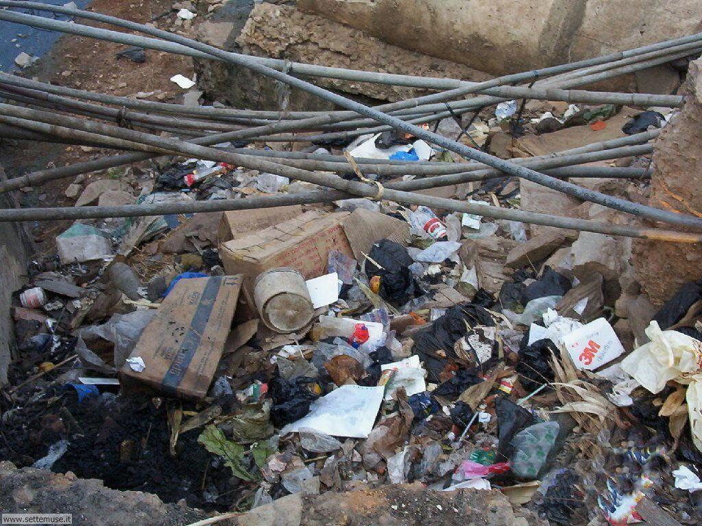 Sfondi desktop di rottami, trash, discariche 097