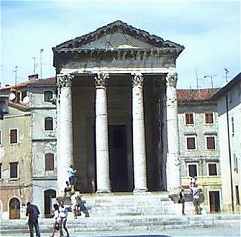 Pula - Tempio di Augusto