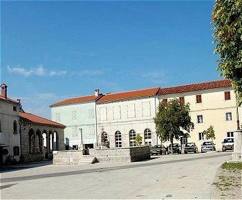 Sanvincenti (Sveti Vincenat)- La Piazza