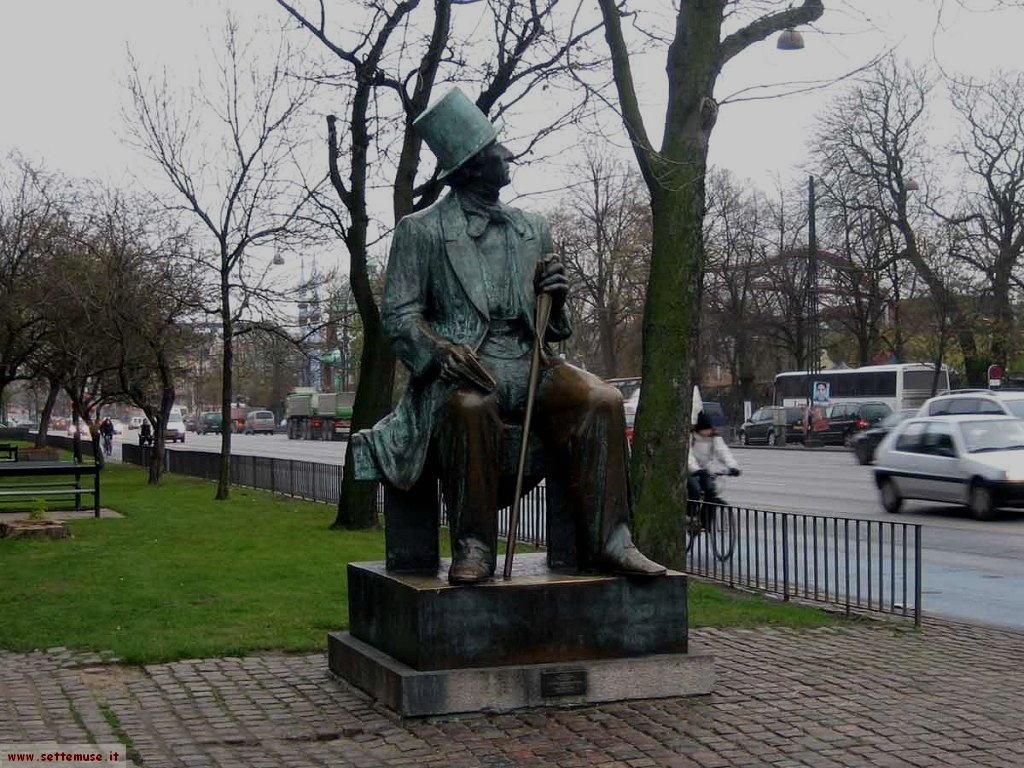 Danimarca statua Andersen