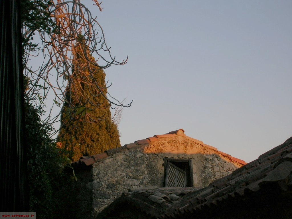 foto Eze