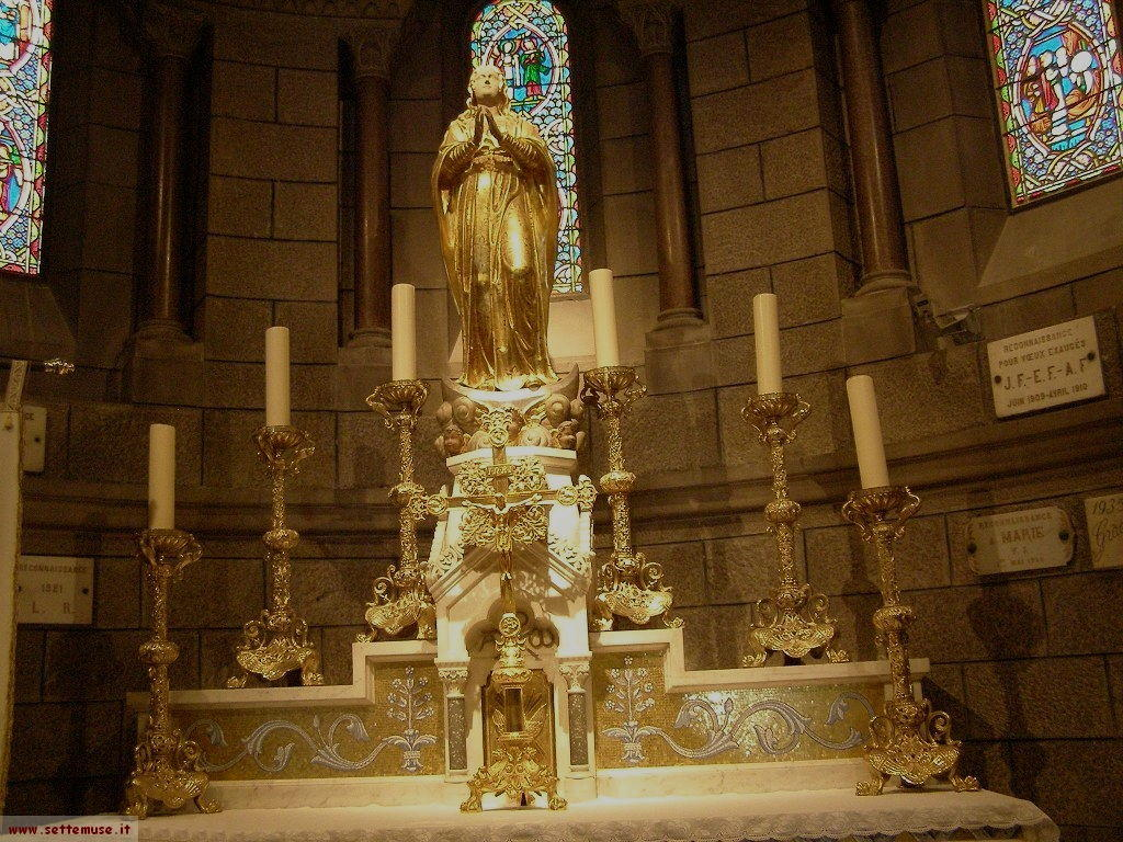 Interno chiesa del principato di Monaco