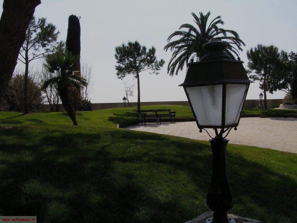 Principato di Monaco, i giardini sul mare