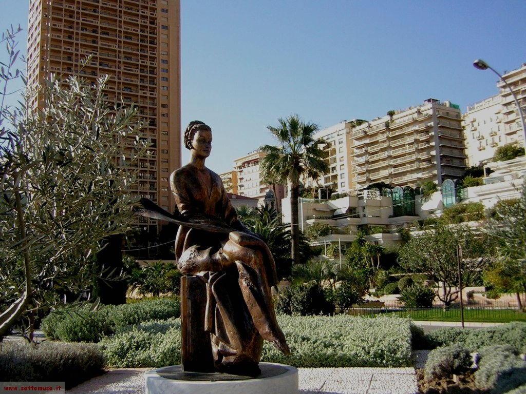 Statua della principessa Grace Kelly