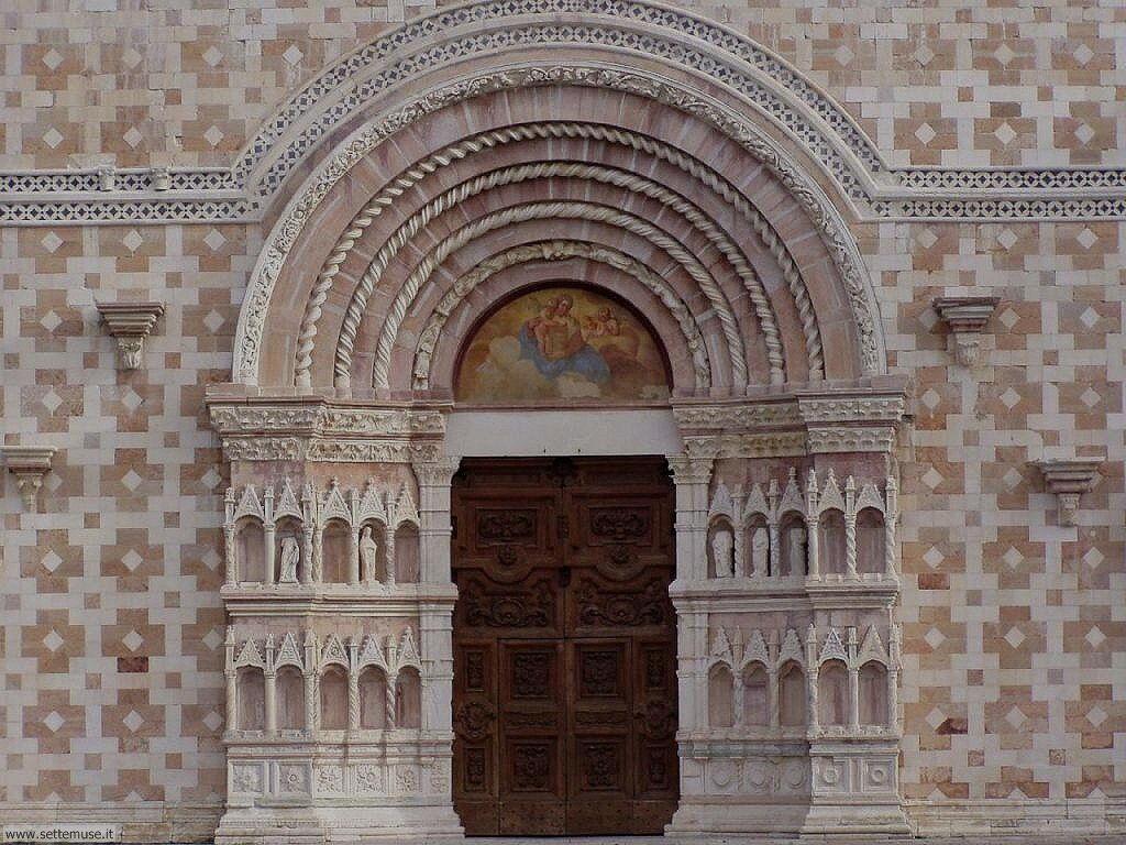 Chiesa S. Maria Collemaggio il portale