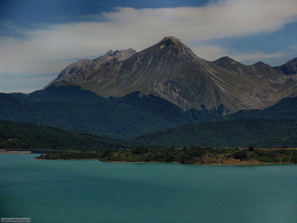 Monte Corvo e lago Campotosto