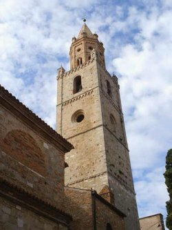 Teramo - Catedral y el campanario